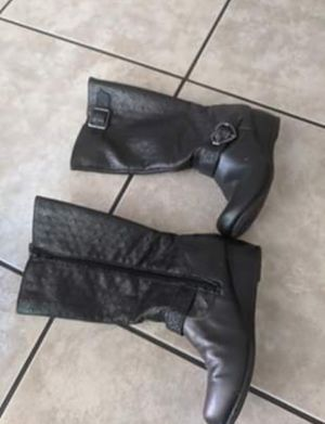 Sketchers Girls Leather Black Boots Size 2 for Sale in Lancaster, CA
