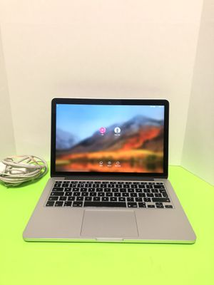 Apple MacBook Pro (Retina, 13-inch, 2015) 8GB ,i5 ,2.7GHz ,128GB SSD -Battery Cycle counts 209 for Sale in Arlington, TX