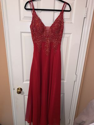 Prom Dress Red (size 5) Camille La Vie for Sale in Grand Prairie, TX