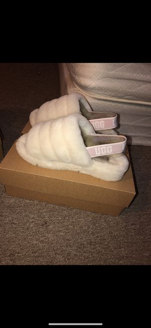 Ugg fluff yeah slide white for Sale in Verona, PA