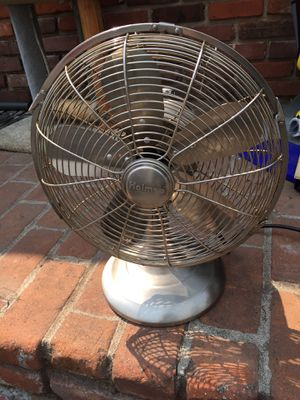 Like new table top oscillate 3 speed Stainless Steel fan for Sale in Spring Valley, CA