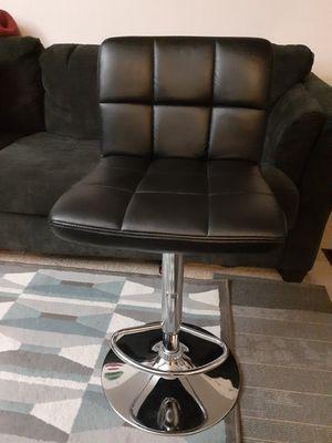 Silla giratoria para oficinas excelente condición for Sale in UNIVERSITY PA, MD