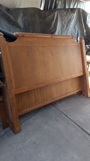 King size bed frame for Sale in Calexico, CA