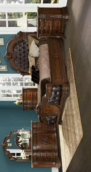 SPECIAL] Antoinetta Cherry Panel Bedroom Set for Sale in Pflugerville, TX