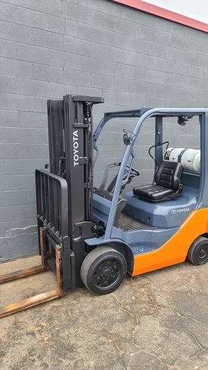 Toyota forklift 2016 for Sale in Ontario, CA