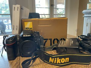Nikon D7100 Body w/2 batteries included for Sale in Los Angeles, CA