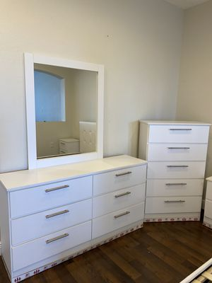New Dresser. Mirror. Chest. Delivery for Sale in Fort Lauderdale, FL