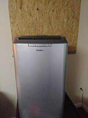 12,000 BTU Avallon Portable Air Conditioner with Remote, Silver cools up too 425 sq ft ( All connections hoses and window replacements are included) for Sale in Clearwater, FL