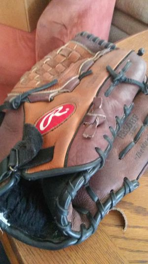 Rawlings Leather Baseball Glove for Sale in Placentia, CA