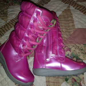 Timberland Girl's Insulated Boots Size 7 for Sale in Forestdale, AL