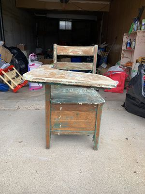 DIY PROJECT VINTAGE SCHOOL DESK for Sale in Raytown, MO