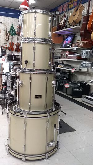PEARL DRUM SET for Sale in Lafayette, CO