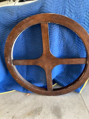 Vintage wagon wheel table top for Sale in Palmdale, CA