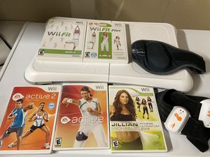 Wii Fit Balance Board with 5 games - Wii for Sale in Elk Grove, CA