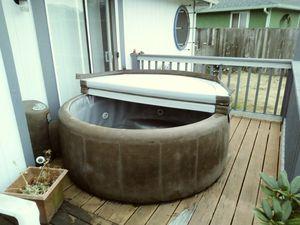 4 person soft tub hot tub for Sale in Tacoma, WA