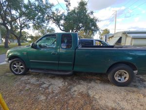1999 ford f150, runs excellent, 220.000 mile, $2000./OBO,call six8nine,two0four,six2three7. for Sale in Avon Park, FL