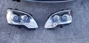 Gmc acadia 2007 - 2012 luces / headligts for Sale in Homestead, FL