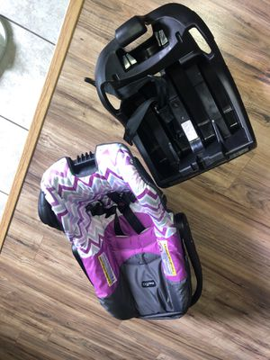 Infant car seat like new for Sale in Grand Prairie, TX