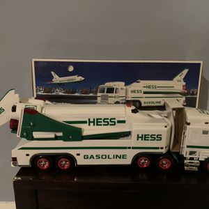 1999 Hess Toy Truck & Space Shuttle (Brand new) for Sale in Pompano Beach, FL