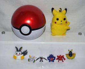 "Pokemon Pokeball With 5 Mini Figures & 1 Pikachu Clip Plush Tin Ball 4.5"" D/T for Sale in Seattle, WA"