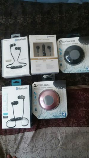 Headphones and speaker's for Sale in Glen Burnie, MD
