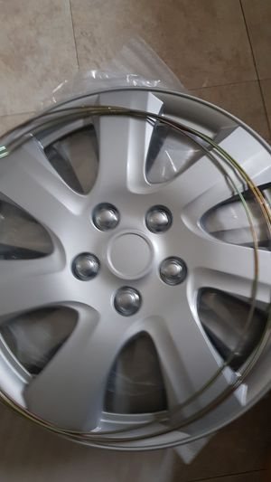 Hubcaps cover for Sale in Chicago, IL