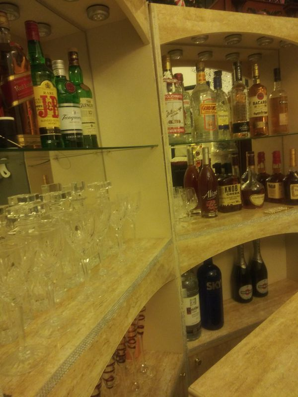Gorgeous 3 Piece Home Bar!!! Hollywood Swank Furniture. Serious Offers only.