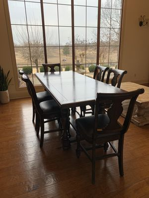 7 piece dining set in excellent condition for Sale in Jonesboro, AR