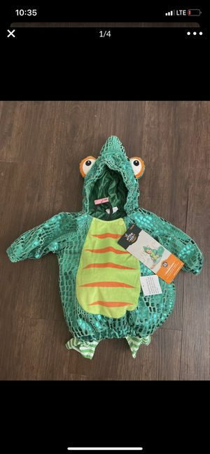 Chameleon infant costume size 0-6 months for Sale in Irving, TX