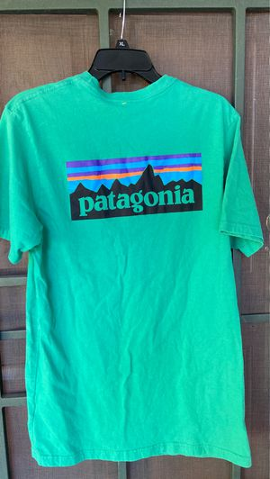 Patagonia shirt mens M for Sale in Vacaville, CA