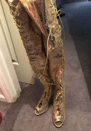 Size 10 thigh high boots. Zip up in the back. for Sale in Nashville, TN