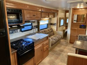2011 FOURWINDS Travel Trailer for Sale in Goodyear, AZ
