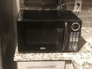Sunbeam microwave black for Sale in Atlanta, GA