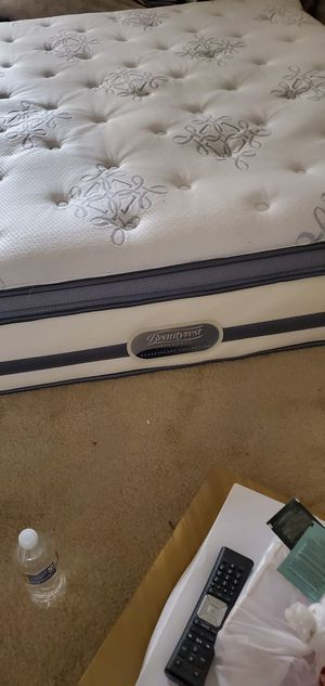 King size plush mattress for Sale in Rockville, MD