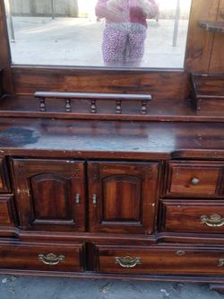 Wooden Dresser for Sale in Fresno,  CA