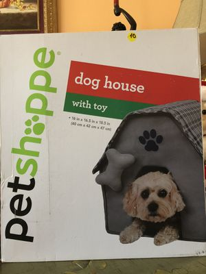 New Pet Shoppe Dog House with toy for Sale in Kissimmee, FL