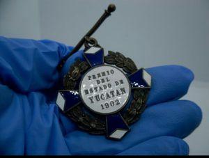 A MILITARY MEDAL FOR KILLING MAYA REBELS (1901-1905)/Una medalla militar por matar mayas rebeldes (1901-1905) for Sale in Chicago, IL
