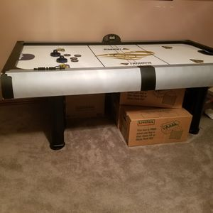 Air hockey table for Sale in Rockwall, TX