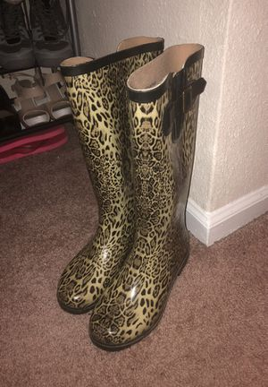Women's size 7 rain boots for Sale in Durham, NC