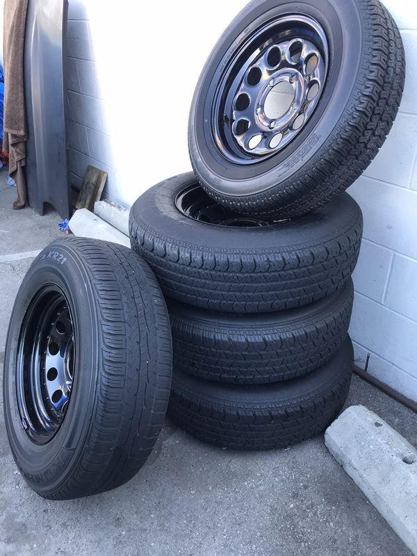 Good condition rims, tires still good but old. Came off a 88 Suzuki samurai. $150 . 5pcs