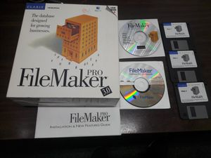 FileMaker Pro v 3.0 pack for Sale in Los Angeles, CA