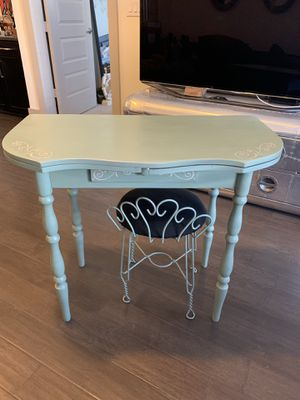 Antique vanity with chair for Sale in Dallas, TX