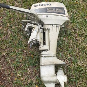 Suzuki 9.9 Hp. Outboard For Parts for Sale in Orlando, FL