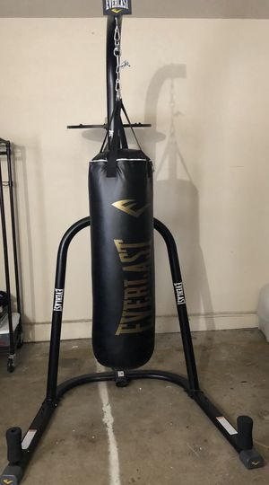 Everest Punching bag for Sale in Fontana, CA