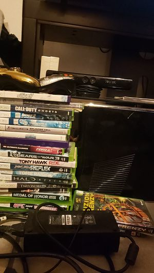 Xbox360 250g kinect with 23games 2controllers hdmi power cords for Sale in Phoenix, AZ