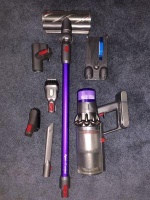 Dyson V11 Cordless Vacuum for Sale in Garden Grove, CA