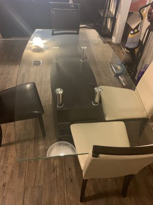 All glass kitchen table. Can delivery today for Sale in Largo, FL