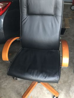 Leather office Chair for Sale in Langhorne,  PA
