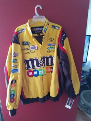 Kyle Busch nascar jacket for Sale in Cashmere, WA