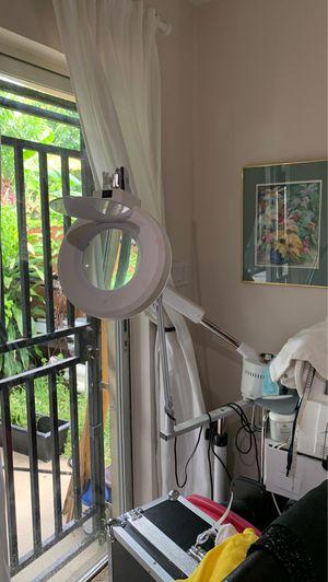 Ozono and Lamp for Sale in Miami, FL